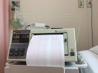 産婦人科の病室にある機械の写真・画像素材[2278796]