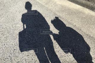 親子の影の写真・画像素材[3157700]
