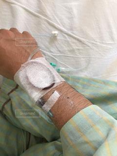 入院して、もれなく点滴の写真・画像素材[1827334]