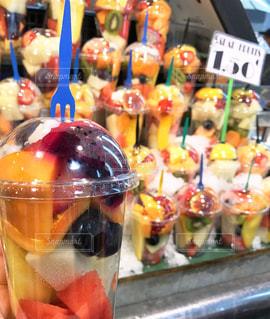サンジョセップ市場のカラフルなフルーツたちの写真・画像素材[1840472]
