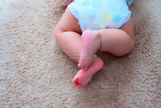 赤ちゃんの脚の写真・画像素材[1832004]