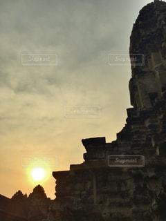 アンコールワットから見た夕日の写真・画像素材[1837318]
