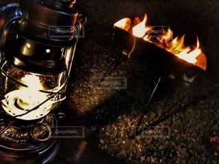 焚き火の写真・画像素材[2134573]