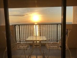 ルネッサンスリゾートナルト 客室からの朝日の写真・画像素材[1882159]