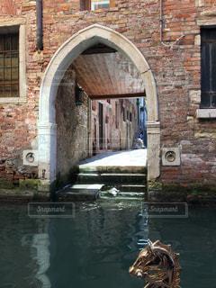ヴェネツィア れんが造りの建物の写真・画像素材[1837335]