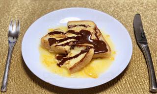 フレンチトースト(チョコとオレンジマーマレードソース)の写真・画像素材[1838434]