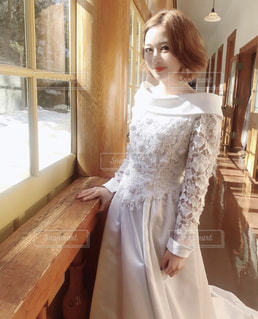 白いドレスを着た人の写真・画像素材[1847193]