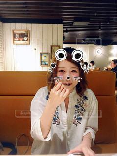 食事中の写真・画像素材[1856330]