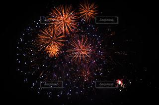 夜空の花火の写真・画像素材[2316582]