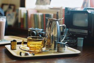 テーブルの上のコーヒーの写真・画像素材[2863736]