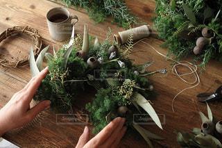 クリスマスリースを手作りしようの写真・画像素材[1846942]