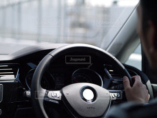 運転中の写真・画像素材[1855230]