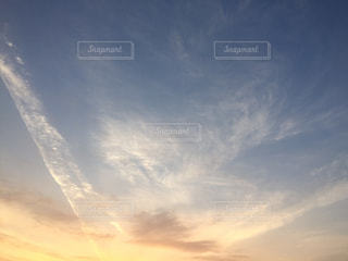 空には雲のグループの写真・画像素材[1846420]