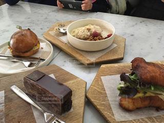 食卓の上の食べ物 バンクーバーの朝食の写真・画像素材[2106190]