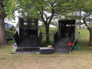 会津祭りで、出払った馬のトラックの写真・画像素材[2476481]