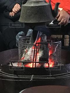 炭火の囲炉裏の写真・画像素材[2950056]