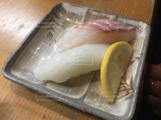 イカと鯛のお寿司の写真・画像素材[3047167]