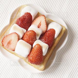 苺マシュマロトーストの写真・画像素材[1850851]