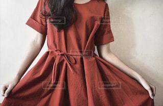 ドレスを着た女性の写真・画像素材[2223615]