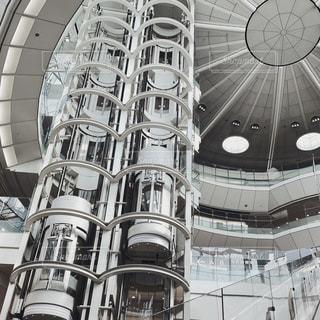 建物の側面の時計の写真・画像素材[2849444]
