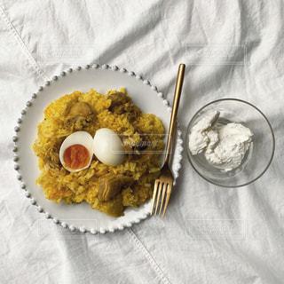 食べ物をテーブルの上に閉じるの写真・画像素材[3252483]