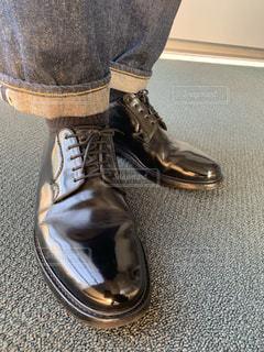 靴磨き後の革靴の写真・画像素材[1853932]