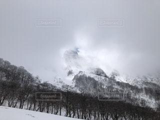 雲間の大山の写真・画像素材[1854500]