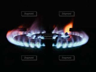 ストーブの上の火の写真・画像素材[1859277]