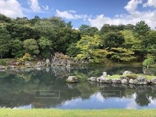 晴れの日本庭園の写真・画像素材[1959030]