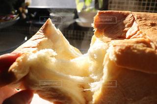 焼きたてパンの写真・画像素材[1865304]