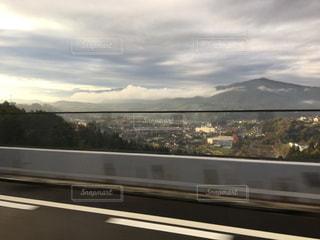 高速の車窓からの写真・画像素材[1868231]