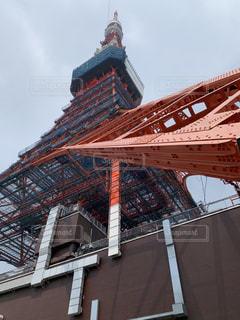 見上げた東京タワーの写真・画像素材[1883534]