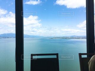 天気のいい日の琵琶湖の写真・画像素材[1868285]
