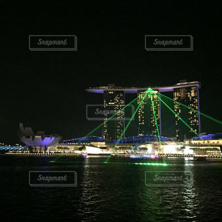 夜はライトアップ ボートの写真・画像素材[1876388]