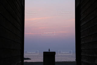 夕暮れの海の写真・画像素材[1976340]