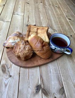 パンとコーヒーの写真・画像素材[2146189]