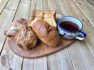 パンとコーヒーの写真・画像素材[2146196]