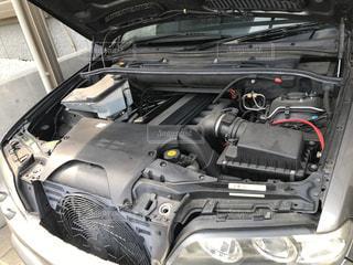 車のエンジンの写真・画像素材[2885735]