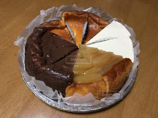 10等分された手作りショートケーキの写真・画像素材[2108811]