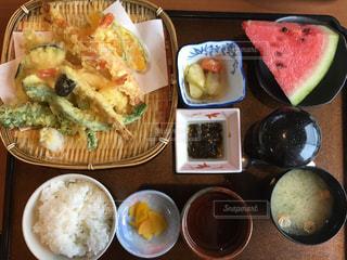 天ぷら定食。2019年7月撮影の写真・画像素材[2331737]