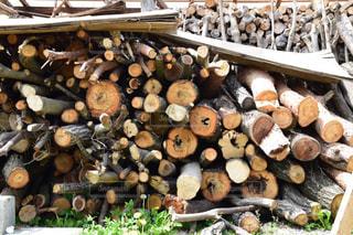 薪の写真・画像素材[2113919]