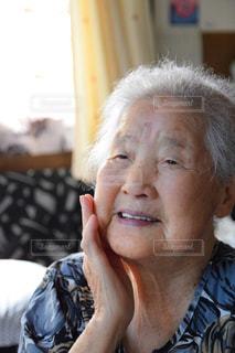 色白の祖母の写真・画像素材[2228314]