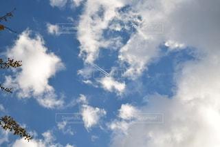 飛行機雲の写真・画像素材[2605203]