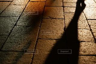 灯りと影の写真・画像素材[2689070]