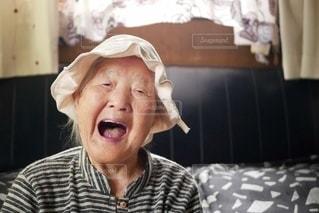 笑顔の素敵なおばあちゃんの写真・画像素材[3525925]