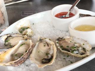 プルプル牡蠣の写真・画像素材[2314424]