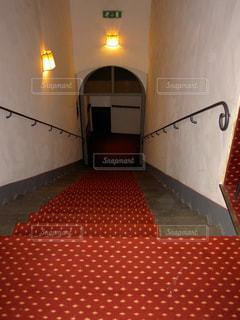 赤い階段の写真・画像素材[2005954]