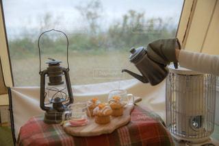 キャンプでお茶タイムの写真・画像素材[2078128]