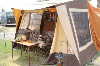 愛犬とキャンプの写真・画像素材[2198956]