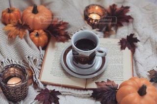 秋のコーヒータイムの写真・画像素材[2639345]